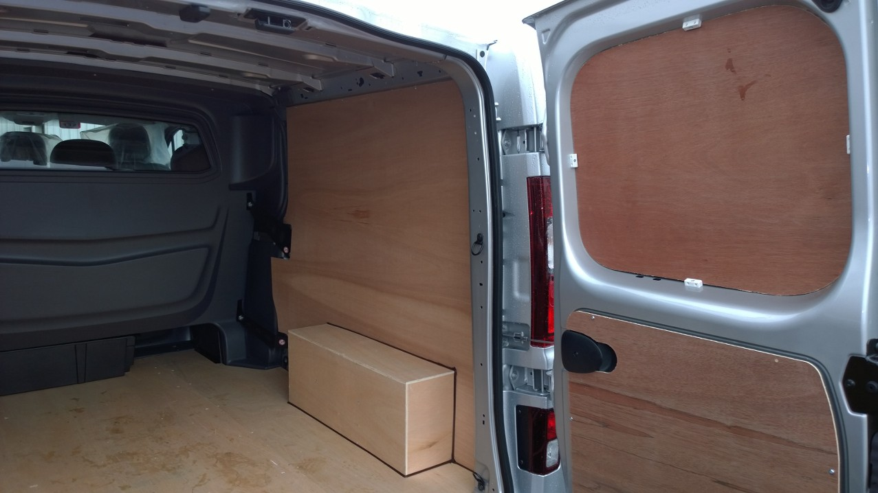 2014 On New Shape Lwb Vivaro Trafic Double Cab Plyline