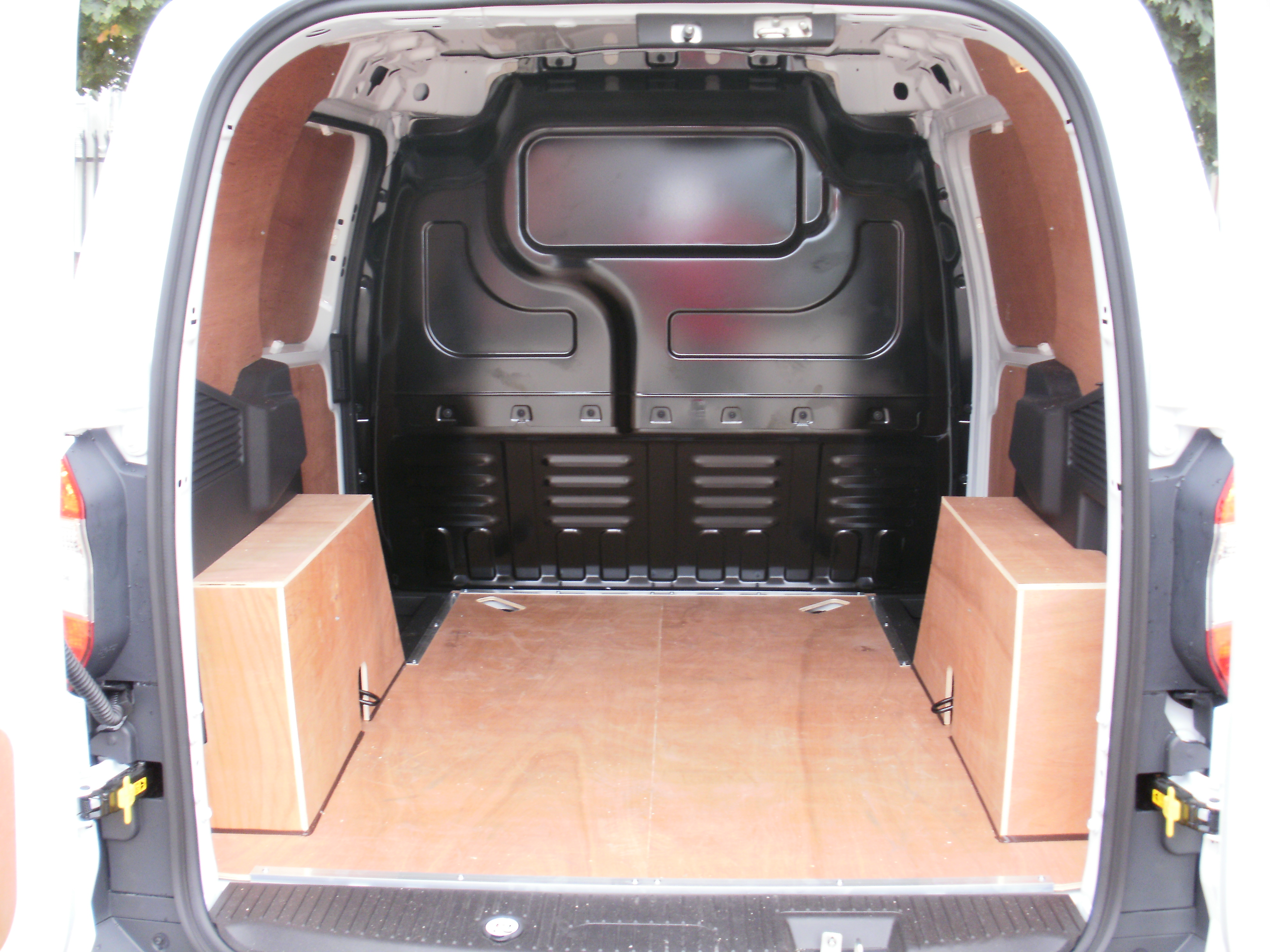 2014 On Ford Transit Courier Plyline Kit Plyline Uk