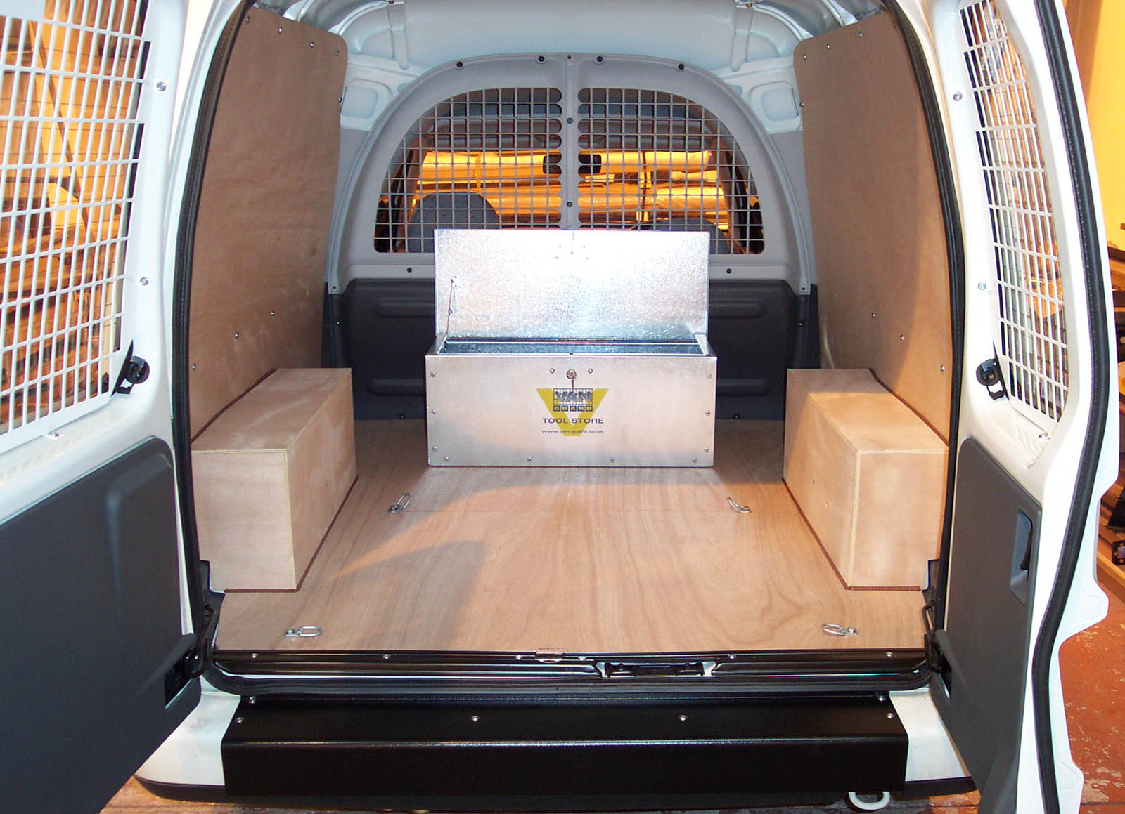 Vw Caddy Van Ply Lining Kit Pre 2004 Plyline Uk