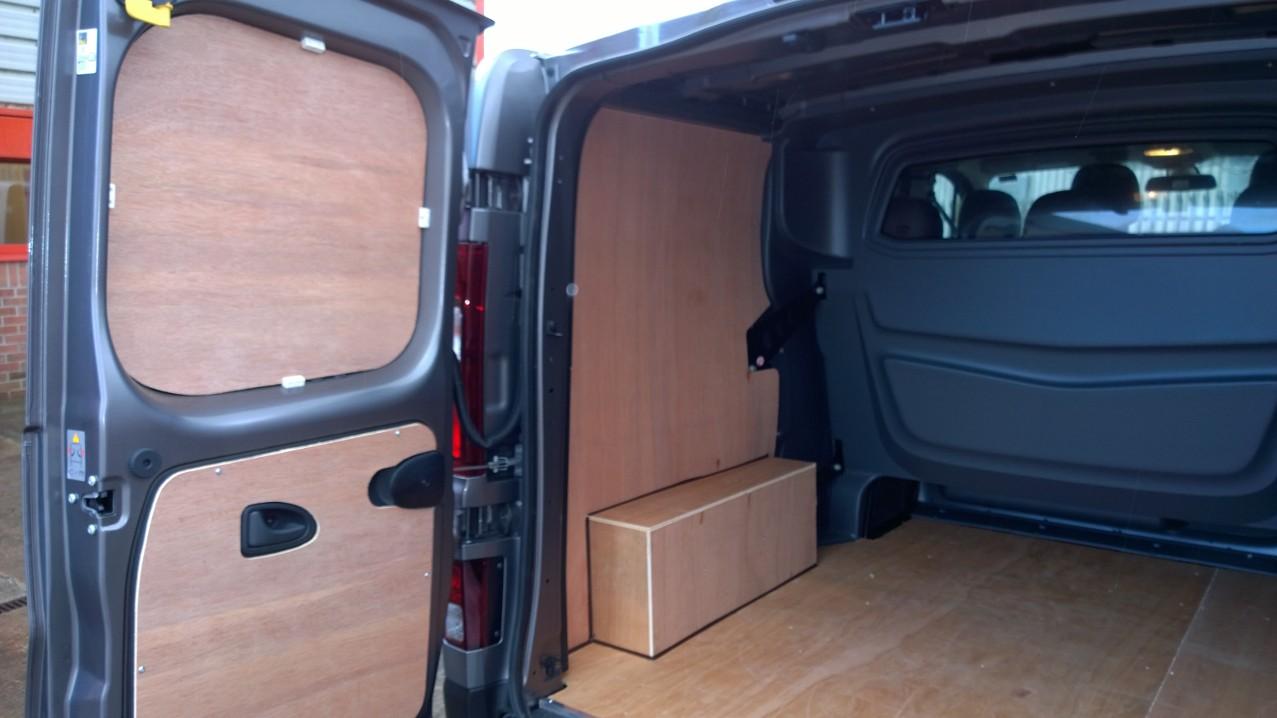 2014 On New Shape Swb Vivaro Trafic Double Cab Plyline